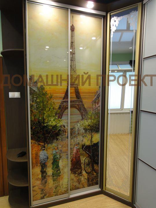 Угловой шкаф в французском стиле