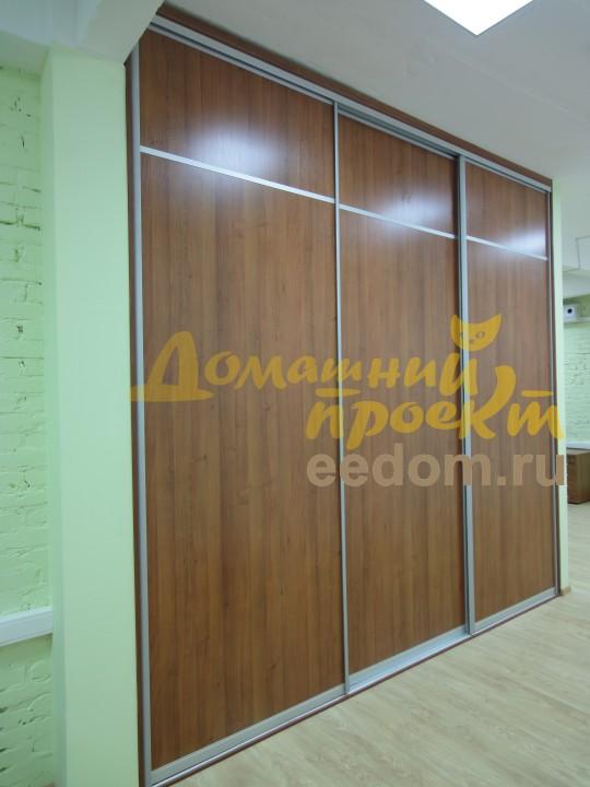 Шкаф-купе в офисе на Рябиновой улице