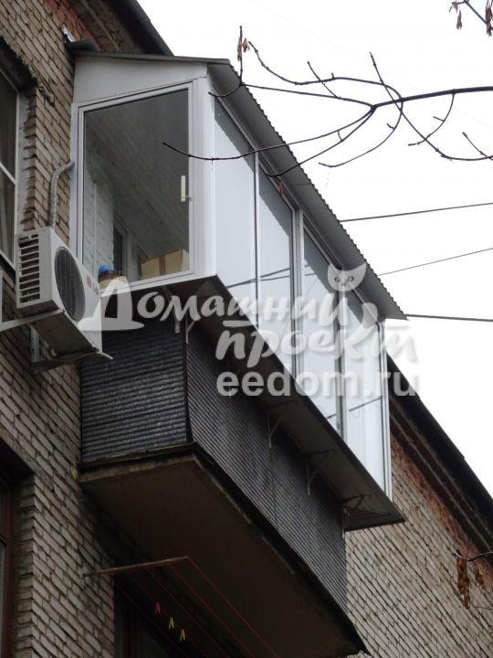 Крыша на балконе с остеклением