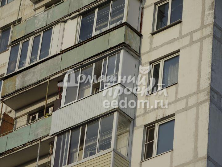 Отделка балкона профлистом №5