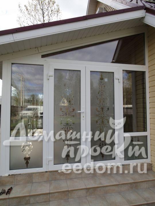 Матовая дверь с узором