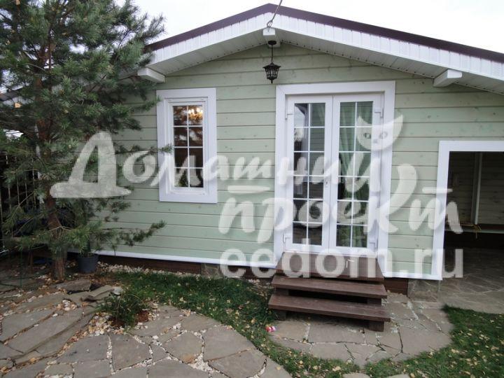 Дверь для загородного домика