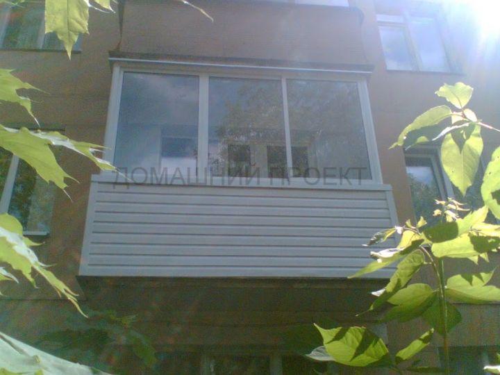 Застекление и внешняя отделка балкона