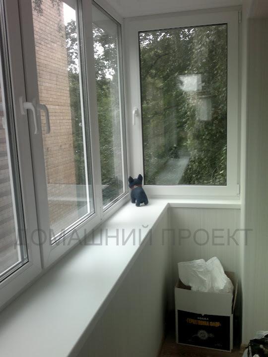 Теплое остекление балкона с выносом