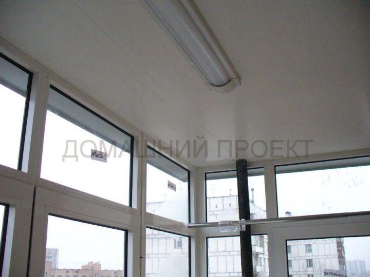 Отделка балкона II-18 панелями ПВХ