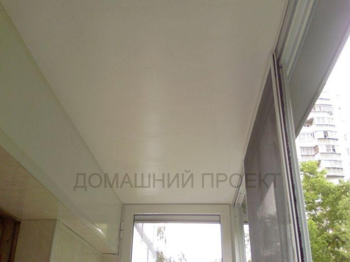 Отделка балкона II-18 пластиком