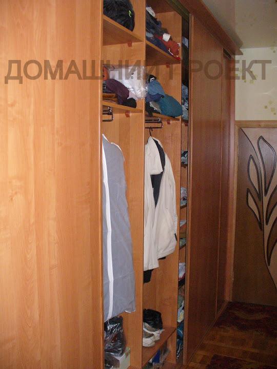 Классический шкаф-купе для прихожей