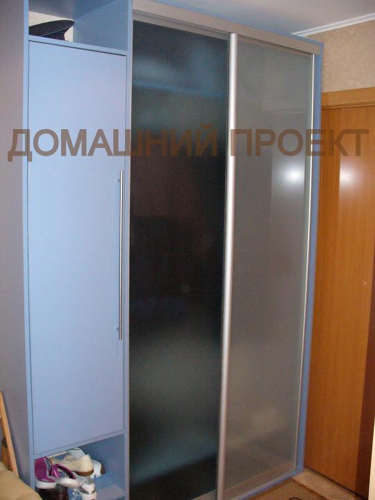 Оригинальный шкаф-купе в стиле минимализм