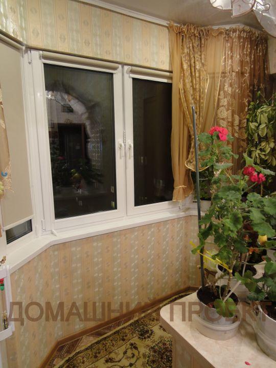 Остекление и отделка балкона серии и-155