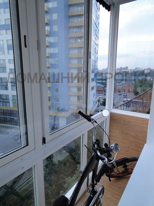 Застекление балкона в сталинке.