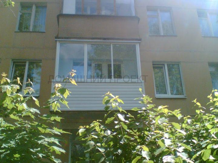 Алюминиевое остекление балкона в хрущевке