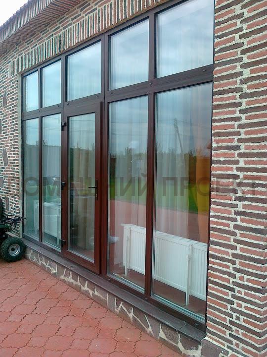 Панорамное остекление коттеджа окнами ПВХ