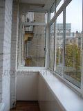Холодное остекление балкона с выносом