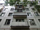 Обшивка балкона сайдингом в хрущевке
