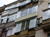 Легкое остекление балкона в сталинке