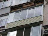Легкое застекление балкона в сталинке
