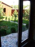 ПВХ-дверь с ламинацией в загородном доме